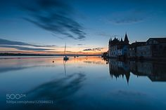 Two minutes to sunrise - Pinned by Mak Khalaf I do not like to get up early but I am addicted to morning light... Here's one of my favourite shots from lake Constance. Greetings from Switzerland! Landscapes BodenseeReto SavocaSavocaSteckbornbluecloudsdawnlakelake Constancelightmorningmorning lightreflectionskysunrisewater by RetoSavoca