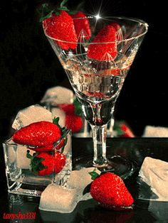 Diamond Embroidery Strawberries and glass Cross Stitch Kits For Needlework Full Diamond Mosaic Picture Home Decoration Wine Glass Images, Strawberry Pictures, Champagne, Love Heart Images, Mosaic Pictures, Gifs, Romantic Dinners, Happy Birthday Wishes, Birthday Fun
