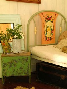 This bedroom is so lovely! Shabby Chic, Shabby Vintage, Vintage Decor, Vintage Crib, Vintage Stuff, Painted Beds, Painted Furniture, Painted Headboard, Painted Floors