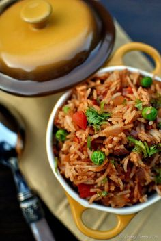 Tawa Pulao - Basmati Rice with Vegetables and Spices - Vegan, Gluten Free… Rice Recipes For Lunch, Easy Rice Recipes, Gourmet Recipes, Vegetarian Recipes, Cooking Recipes, Vegetarian Cooking, Curry Recipes, Cooking Ideas, Soup Recipes