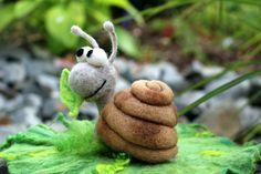 handmade / needle felted snail by wiesenelfe.de felt, felted, gefilzt