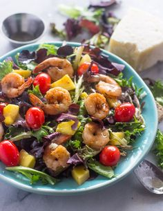 Shrimp Mango Salad with Lime vinaigrette | Gimme Delicious