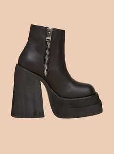 She's All Brat! Step it up in the all new Brat Platform. Get high as with the help of the Super stacked, ridged double platform and heel. All leather upper with inside, branded zipper. Platform front is Boots For Short Women, Short Boots, Leather Wedges, Black Leather Boots, Cute Shoes, Me Too Shoes, 70s Shoes, Clogs Shoes, Black Platform Boots