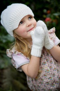 Snow White Peak Hat and Simple Mittens - pattern by Lisa Craig Knit Crochet, Crochet Hats, Spinning Wool, Crafts For Kids To Make, Niece And Nephew, White Patterns, Mittens, Knitting Patterns, Snow White