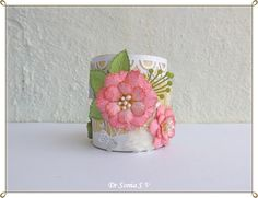 Handmade Flower Pen Stand Hi friends, in India Teachers day is celebrated on Sep 5 and every year my daughter likes to give someth. Projects For Kids, Crafts For Kids, Diy Projects, Clay Wall Art, Creation Crafts, Elizabeth Craft Designs, Rainbow Theme, Card Making Tutorials, Altered Boxes