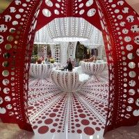 red & white in Louis Vuitton concept store, Selfridge's in London // Yayoi Kusama
