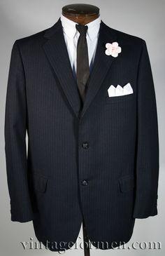 Vintage Early 60s Black Pinstripe Sportcoat Fully Lined Size 42R #vintageformen #mensvintage #vintagemenswear #mensfashion #pinstripes #madmen