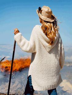 Strik en lun og lækker trøje med hætte | femina.dk