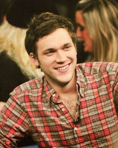 Ooh. Phillip Phillips is a cute cute cutie.