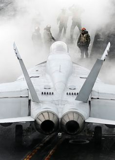 US Navy, F-18 launch