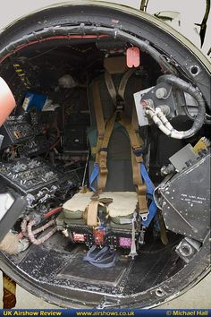 Navy Aircraft, Aircraft Photos, Military Aircraft, English Electric Canberra, V Force, Ejection Seat, Custom Metal Fabrication, Flying Vehicles, Aircraft Design