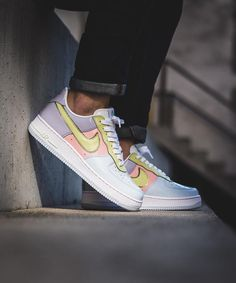 competitive price aee3b 31d15 Nike Air Force 1 Retro Low
