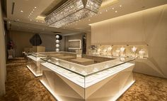 Ksl Global Group is a professional manufacturer of shop design, mall kiosks and display cases. We provides store design, shop fixtures production, quality inspection, etc. Jewelry Store Displays, Jewellery Shop Design, Jewellery Showroom, Jewelry Shop, High Jewelry, Luxury Jewelry, Jewelry Stores, Clean Jewelry, Jewelry Ads