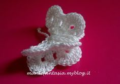 come fare farfalle uncinetto tridimensionali - manifantasia Crochet Bow Pattern, Crochet Bows, Crochet Crafts, Christmas Crafts, Christmas Ornaments, Irish Crochet, Crochet Earrings, Shabby, Butterfly