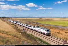 RailPictures.Net Photo: renfe 252.029 Renfe Siemens Eurosprinter 252 at Palencia, Spain by Jesus Portas: