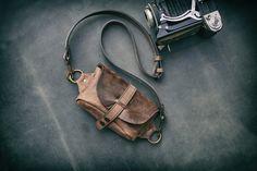 Umhängetaschen - Hüfttasche Gurteltasche Hipbag Bauchtasche  - ein Designerstück von ladybuqartstudio bei DaWanda