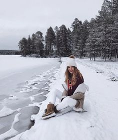 Find images and videos about winter on We Heart It - the app to get lost in what you love. Shotting Photo, Winter Instagram, Outfit Invierno, Winter Pictures, Foto Pose, Winter Photography, Beach Photography, Abstract Photography, Wedding Photography