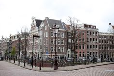 AMSTERDAM / GUIDE — red poppy stories
