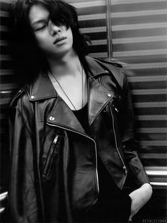 Heechul continues proving that he is 8 bazillion times more attractive than I can ever hope to be.