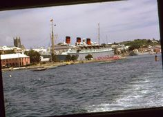 35mm Color Slide RMS Queen of Bermuda Cruise Ship Docked 1961 Furness
