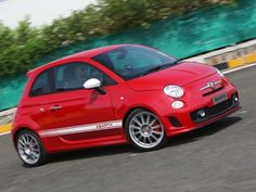 Abarth 500 Esseesse to be launched in November ZigWheels.com