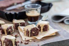 Mocca-Brownie - Rezepte | fooby.ch Moka, Waffles, Cheesecake, Baking, Breakfast, Desserts, Magazine, Kitchens, Sugar