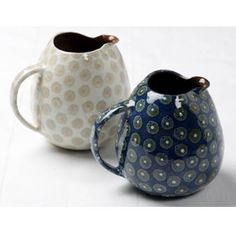 pinkpagodastudio: Revisiting Potter, Katrin Moye: Art for Every Day Pottery Painting, Ceramic Painting, Ceramic Art, Pottery Mugs, Ceramic Pottery, Pottery Art, Mugs And Jugs, Ceramic Pitcher, Ceramic Jugs