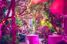 Bohemian Style // Boho // TiMiMoo // Boutique Hotel Bürgerhaus // Magenta // Flowers // Wedding // Decoration //