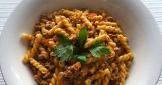 Stovetop Ground Turkey with Pasta can be made with any types of pasta noodles. The cooked ground turkey can also be served over rice. Recipes Using Ground Turkey, Ground Turkey Pasta, Ground Turkey Tacos, Ground Meat, Healthy Pasta Recipes, Chicken Salad Recipes, Salmon Recipes, Tzatziki Sauce, Pesto Pasta