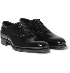 From the Oxford and Derby to the Chukka and Chelsea, these are the best men's dress shoes that you need to own. Best Mens Dress Shoes, Men Dress, Shoes Men, Men's Shoes, Kingsman Shoes, Black Tie Dress Code, Black Tie Shoes, Smoking, Oxford Shoes Outfit