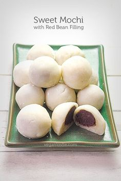 Red bean mochi recipe, Daifuku mochi Soft delicate mochi balls filled with sweet homemade adzuki or red bean paste make a delicious dessert or snack. This red bean mochi recipe also includes sugar-free option and is made on the stovetop. Red Bean Mochi Recipe, Azuki Bean Recipes, Vegan Recipes, Cooking Recipes, Japanese Mochi Recipe, Sweet Red Beans Recipe, Vegan Mochi Recipe, Sushi Recipes, Dessert Sushi