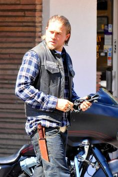 Fresh off the 50 Shades of Grey casting announcement, actor Charlie Hunnam was spotted filming Sons of Anarchy on September 3rd in the San Fernando Valley. Maybe save some of that leather for your next role, Charlie.