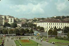 Площадь Независимости  1964 год. Майдан (площадь Независимости), а в те времена - площадь Калинина. Фотограф французский учёный Жак Дюпакье