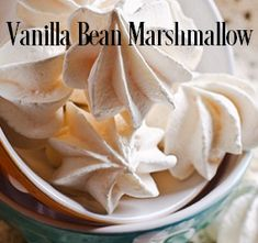VANILLA BEAN MARSHMALLOW Fragrance Oil Type - A wonderfully comforting vanilla fragrance blended with the rich sweetness of a homemade marshmallow! YUM!Top notes ofBergamot, Anise, Licorice; middle notes ofSugar and Marshmallow and bottom notes ofMusk, Vanilla Bean, and Golden Amber.  Excellent in soy and safe for bath and body ET Vanillin - 6.9% Vanillin - 6.0% 200 Degree FP PHTHALATE FREE Vegan Friendly