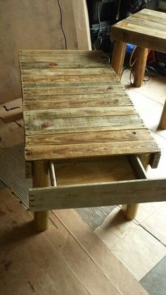 Usually don't go for pallet furniture,but this catches my eye. #palletfurnituretable