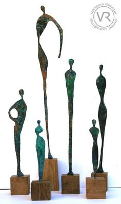 Bronze patinated paper sculptures - Contemporary watercolors, ink and paper works by Vanessa Renoux - Art - - Steel Sculpture, Art Sculpture, Abstract Sculpture, Ceramic Figures, Ceramic Art, Sculptures Sur Fil, Paper Sculptures, Giacometti, Sculpture Projects