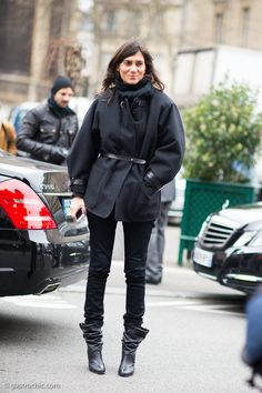 Emmanuelle Alt at Dries Van Noten #streetstyle #fashion #PFW on http://www.gastrochic.com