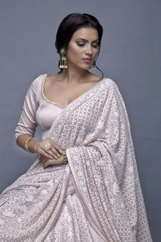 indian fashion Bridal -- Press Visit link above for more options Pakistani Fashion Party Wear, Pakistani Dress Design, Pakistani Dresses, Indian Dresses, Indian Outfits, Indian Fashion Trends, India Fashion, Asian Fashion, Indian Beauty Saree