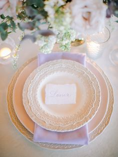La Tavola Fine Linen Rental: Velvet Oatmeal with Nuovo Lilac Napkins | Photography: Stephanie Brazzle Photography, Planning: Ivory & Vine Event Co, Florals: Venus and Co, Rentals: Bella Acento and Beautiful Event Rentals