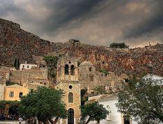 Medieval Town of Monemvasia, Greece Heraklion, Medieval Town, Medieval Castle, Beautiful Islands, Beautiful Beaches, Greece Tours, Rock Of Gibraltar, Harbor Town, Walled City