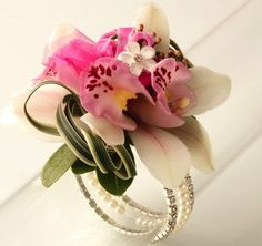 1000 images about prom corsages for her on pinterest for How to match jewelry with prom dress
