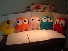 started with five pillows. (Pac-Man plush set by ArcadesAnonymous )I started with five pillows. (Pac-Man plush set by ArcadesAnonymous ) Geek Crafts, Diy And Crafts, Arts And Crafts, Cute Pillows, Diy Pillows, Funny Pillows, Modern Pillows, Pillow Ideas, Sewing Pillows
