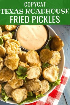 Copycat Texas Roadhouse Fried Pickles Recipe - Easy Copycat Texas Roadhouse Fried Pickles recipe makes a great appetizer or side dish for dinner. Great Appetizers, Appetizer Recipes, Dinner Recipes, Gourmet Recipes, Cooking Recipes, Healthy Recipes, Healthy Sweets, Protein Recipes, Cake Recipes