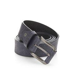 Gürtel Leather    Dieser klassische Gürtel vervollständigt jedes Outfit, denn man kann ihn je nach Anlass sowohl elegant als auch lässig kombinieren. Das Accessoire aus echtem Leder hat silberfarbene Metallelemente.    Silberfarbene Metallelemente.  100% Echtes Leder....