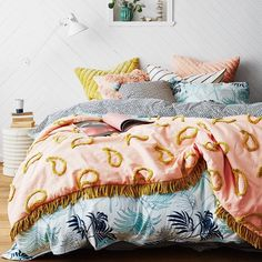 The stunning range of @sageandclare is finally here and it is so worth waiting for... Unpacking it was the highlight of my week! #snugglyluxouriousfeatherfilledvelvet #sageandclare #cushionlove #shutthefrontdoorstore