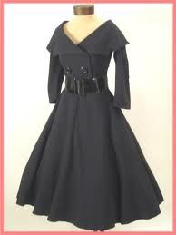I have a thing for 50s inspired fashion... super cute. I want to make it, haha