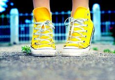 Love the shoes and the picture in general! #yellow #converse #chucktaylor