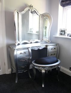 diy makeup vanity table | vanity may not seem a necessity but what lady could pass this up? I would love this!!!