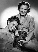 Schneider, Romy, 23.9.1938 - 29.5.1982, German actress, portrait, PR Foto with mother Magda Schneider and dachshund, - Stock Photo