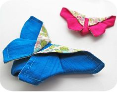 Origami butterflies Goldenbaum-Cook wouldn't these be cool floating in a booth? Butterfly Oragami, Fabric Butterfly, Fabric Flowers, Fabric Origami, Origami Folding, Fabric Art, Fabric Crafts, Sewing Hacks, Sewing Tutorials